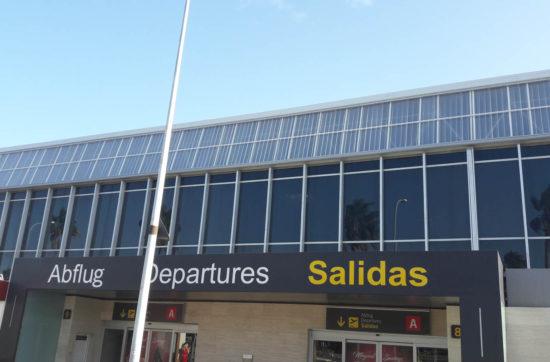 Lucernarios de policarbonato en fachada